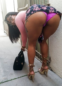 Adorable ebony chicks brags of their..