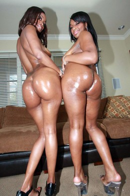 Ebony babes Taylor Lane and Heidi..